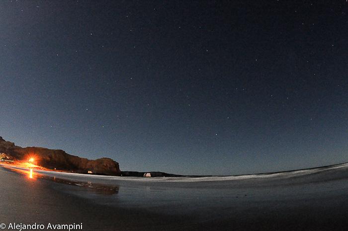 Typisch ruhige und klare Nacht am Strand von Puerto Piramides