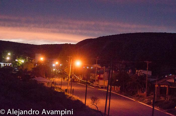Puerto Pirámides al amanecer dentro de Península Valdés