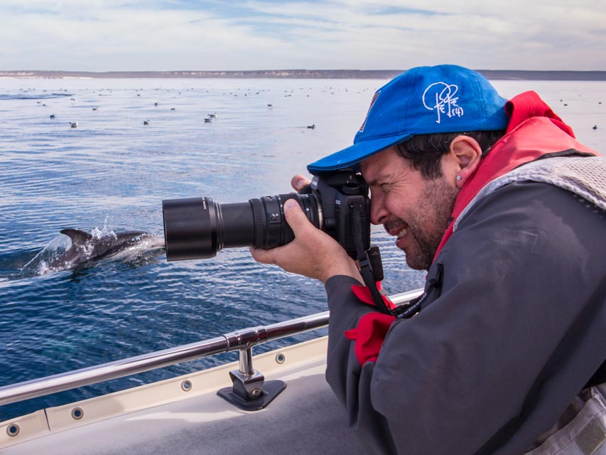 Guillermo Giagante whale watching season photographer in Valdes Peninsula