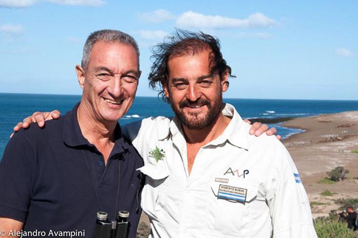 Juan Carlos Lopez y Roberto Bubas guardafauna de orcas