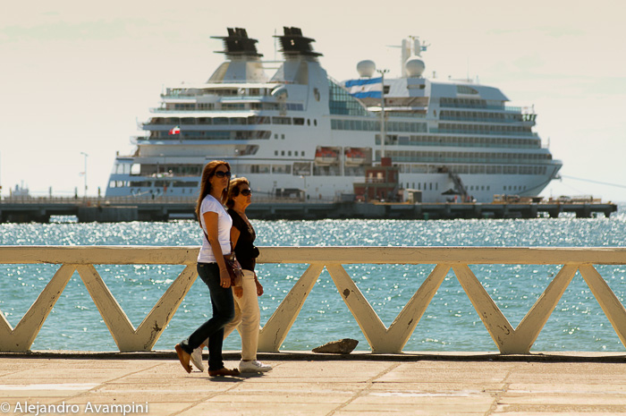 Puerto Madryn and cruise tourism season