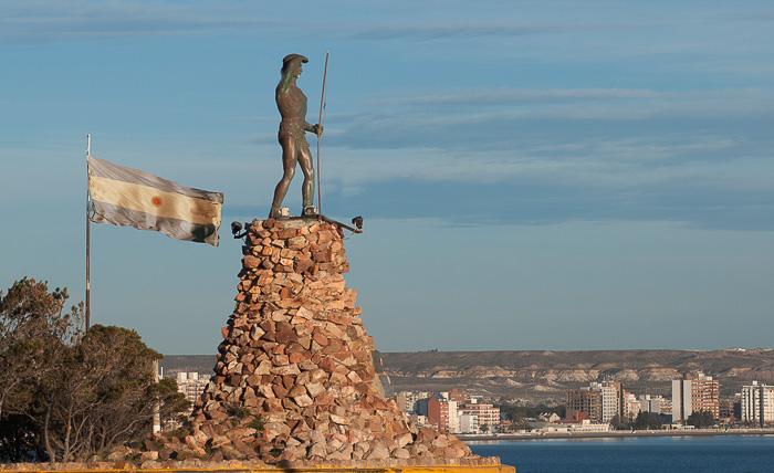 Monumento al Indio Tehuelche - Puerto Madryn