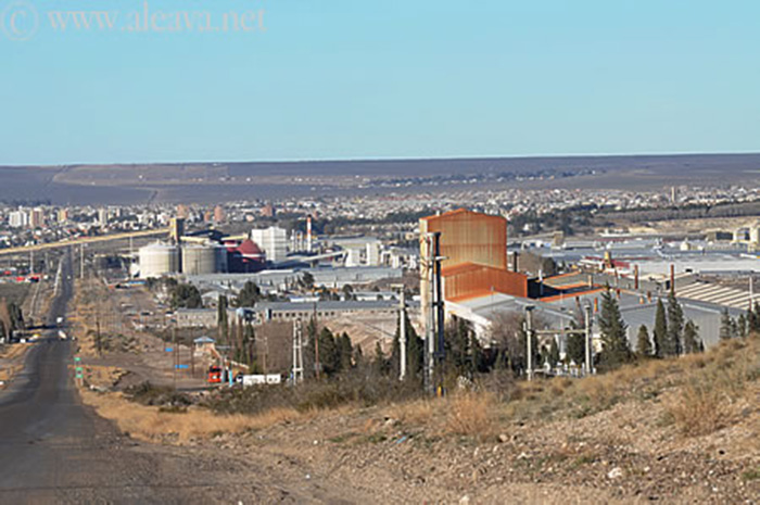 Puerto Madryn Industrial - Aluar and factories