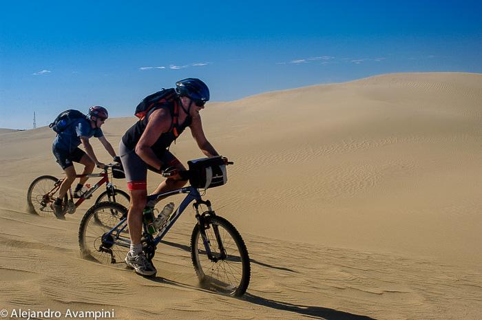 Mountainbike en Puerto Piramides - Península Valdés