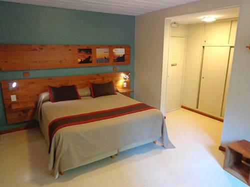 cuarto habitación del hotel puerto piramides - peninsula valdes